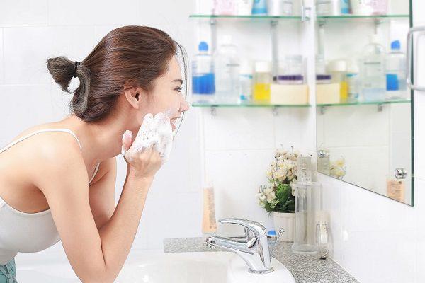 Rửa Mặt Đúng Cách Massage