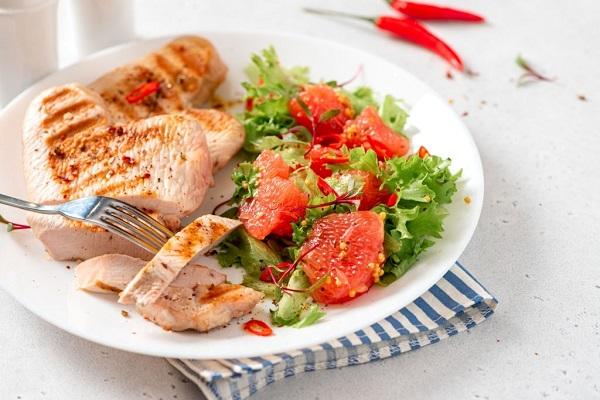 Salad Ức Gà Và Bưởi Giảm Cân