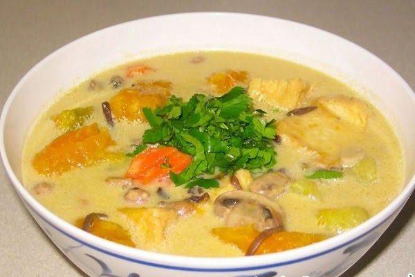 Món Chay Ngon - Canh Bí Đỏ Hầm Nước Cốt Dừa
