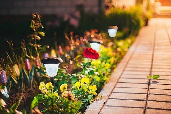 Sân Vườn Đẹp Với Đèn 2