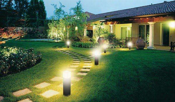 Sân Vườn Đẹp Với Đèn 4