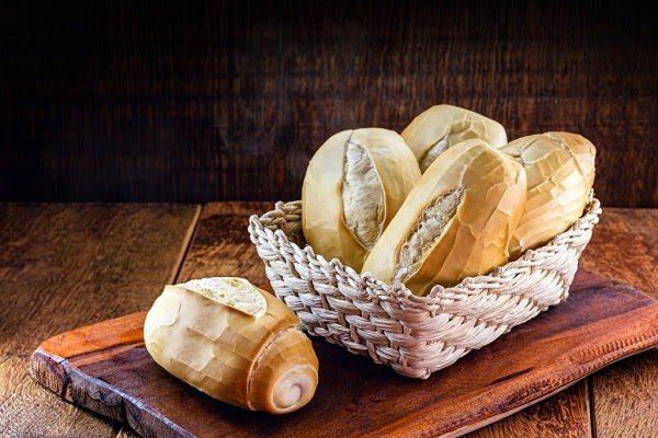 Chữa Hóc Xương Cá Bằng Bánh Mì Nhúng Nước